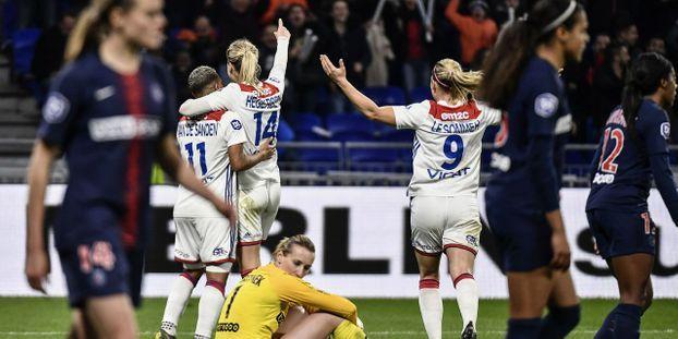 Foot féminin : Lyon écrase le PSG et fonce vers le titre