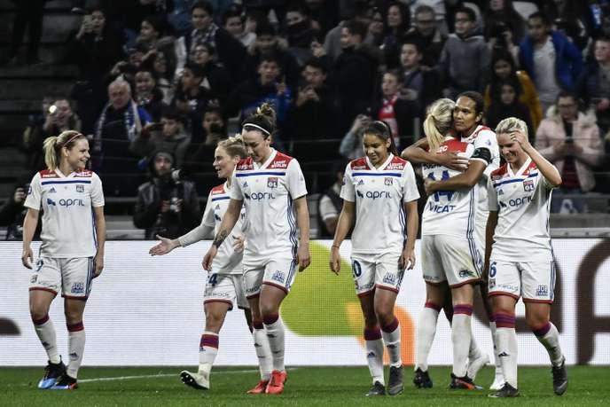 Foot féminin : l'Olympique lyonnais écrase le PSG et fonce vers le titre de champion de France