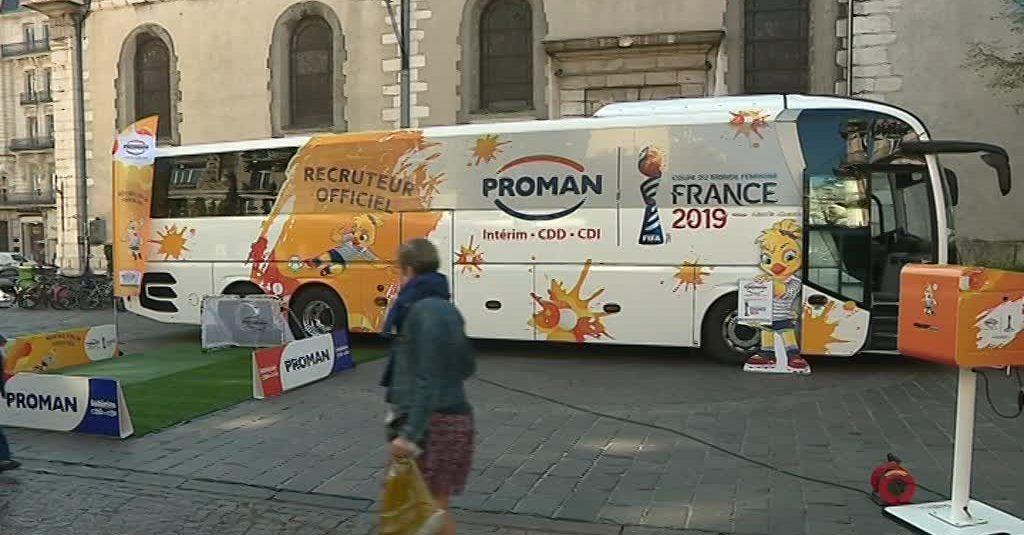 Le bus de l'emploi à Grenoble pour la coupe du monde de football féminin