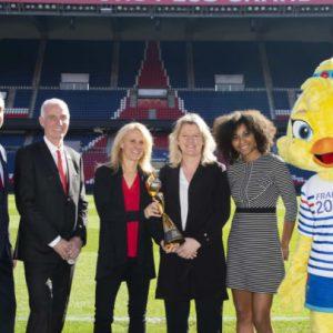 CM : Le trophée entame son tour de France