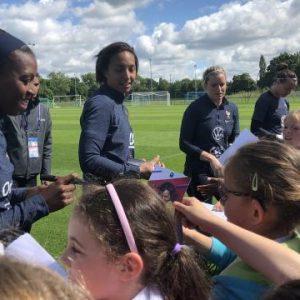 VIDÉO. Coupe du monde féminine 2019 : les Bleues font rêver les enfants