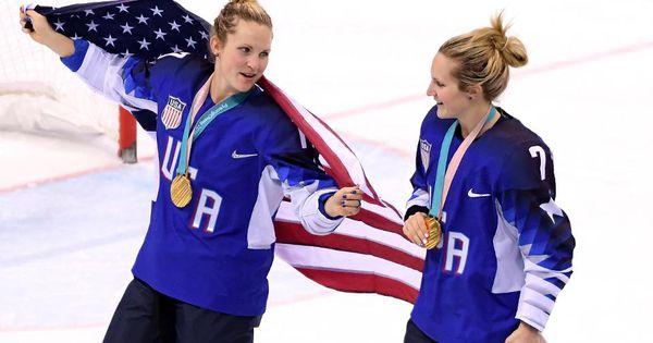 Les médaillés d'or du hockey olympique établissent la fondation pour redonner à leur communauté