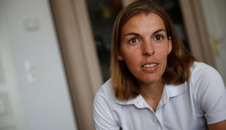 Stéphanie Frappart, arbitre en Ligue 1 : «Je fais les mêmes tests physiques que les garçons»
