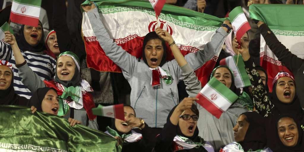 Iran : les femmes pourront assister aux matchs de football, selon la Fifa
