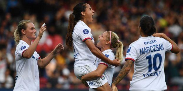 Football : Lyon vainqueur du Trophée des Championnes face au Paris Saint-Germain